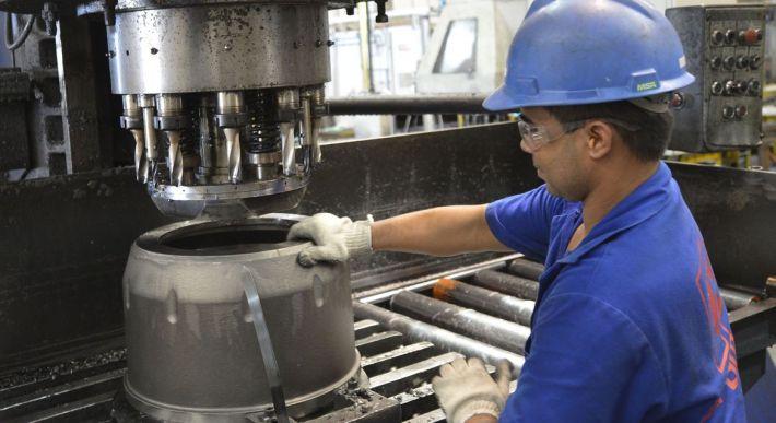 Indústria de máquinas e equipamentos tem alta de 29% nas vendas